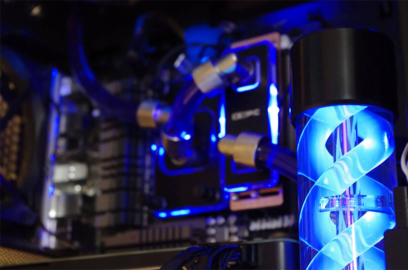 photo d'un pc gaming équipé d'un kit watercooling